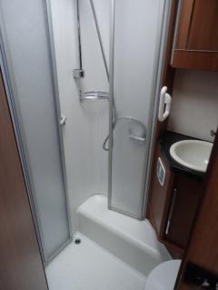 LMC Breezer 646G tweedehands - badkamer