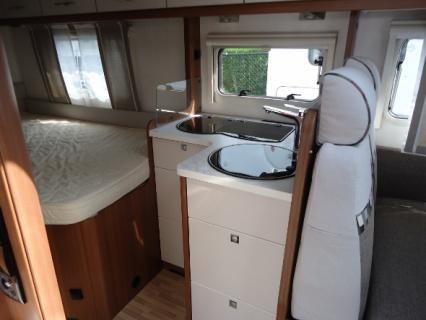 LMC Explorer I635 AUTOMAAT keuken