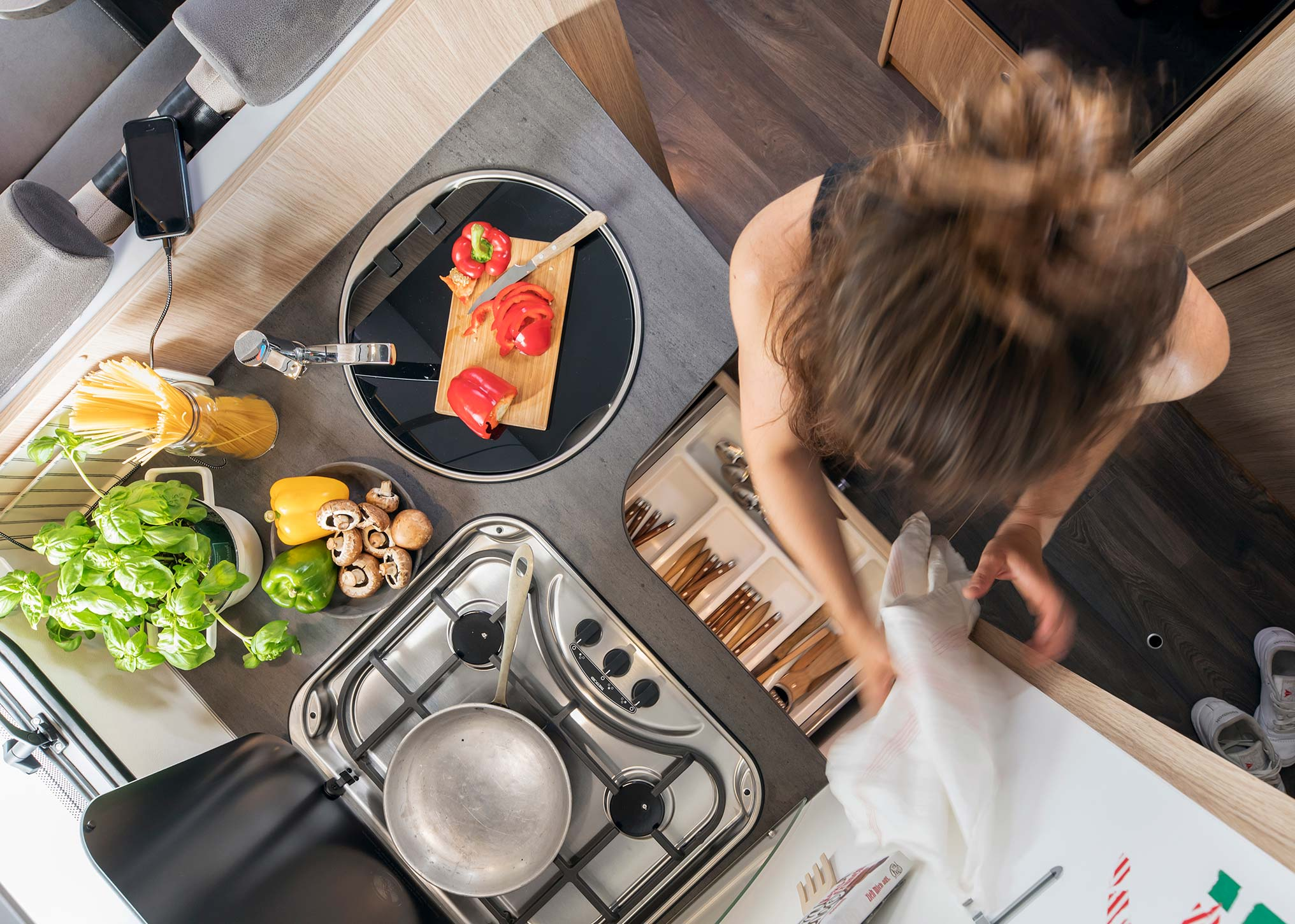 Sunlight integralen keuken - Motorhome kopen