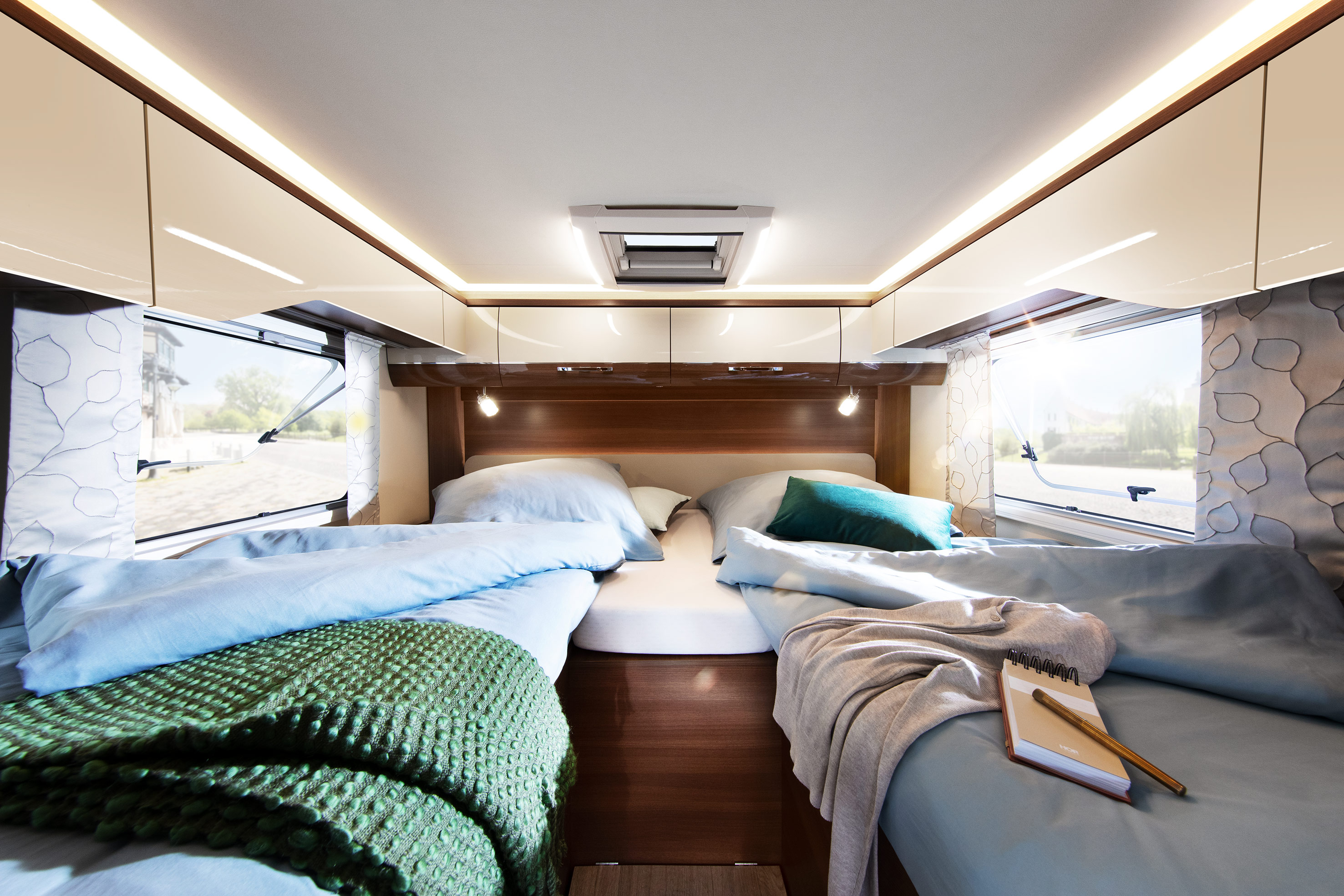 LMC Comfort TI672g - slaapkamer camper